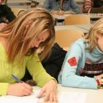 Сочинение вернут в перечень выпускных экзаменов для школьников